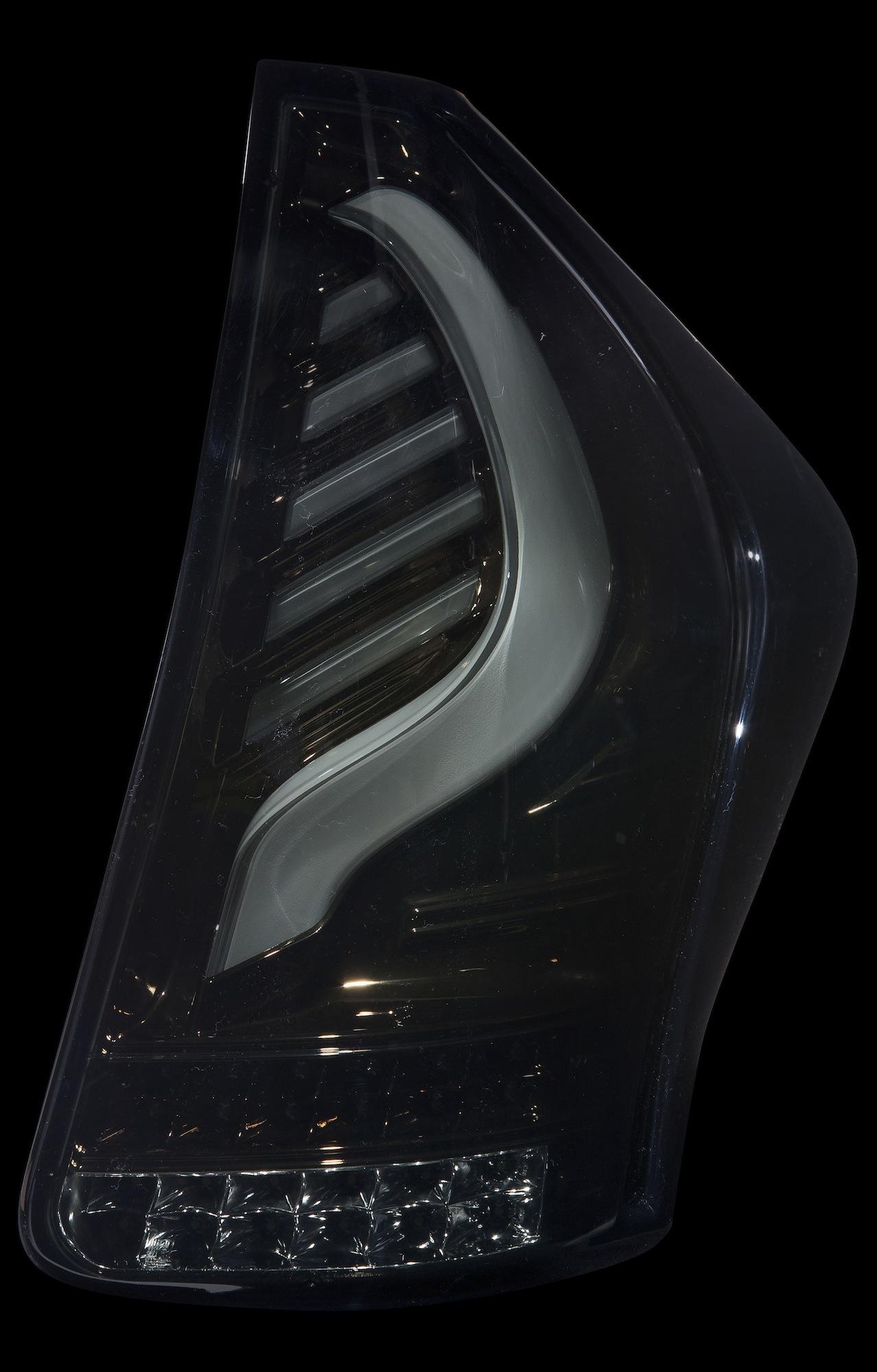 ジュエルLEDテールランプTRAD プリウスα (40系)