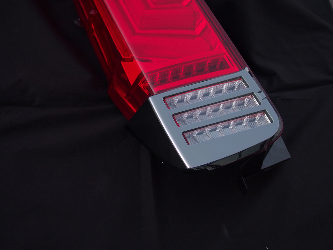 JEWEL LED TAIL LAMP REVO  ノア/ヴォクシー/エスクァイア (80系)